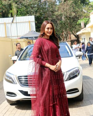 Sonakshi Sinha - Photos: Trailer launch of film Kalank at PVR | Picture 1640879
