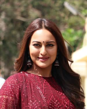 Sonakshi Sinha - Photos: Trailer launch of film Kalank at PVR