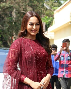 Sonakshi Sinha - Photos: Trailer launch of film Kalank at PVR | Picture 1640877