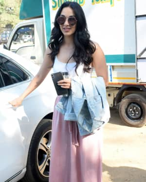 Photos: Kiara Advani Spotted at Rohan Shreshtha's Studio | Picture 1641949
