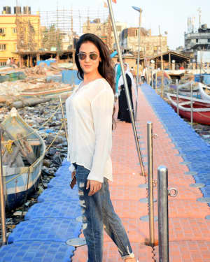 Photos: Sonal Chauhan Spotted at Versova Jetty | Picture 1642080