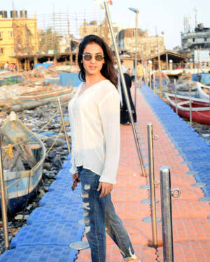 Photos: Sonal Chauhan Spotted at Versova Jetty | Picture 1642078