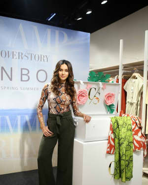 Photos: Shibani Dandekar at the unveiling of Spring Summer collection of fashion brand Cover Story