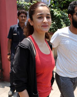 Photos: Alia Bhatt Spotted At Bandra
