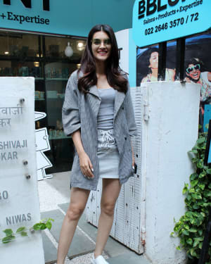 Photos: Kriti Sanon Spotted At Bblunt