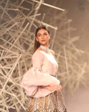 Photos: Aditi Rao Hydari Ramp Walk At India Couture Week 2019