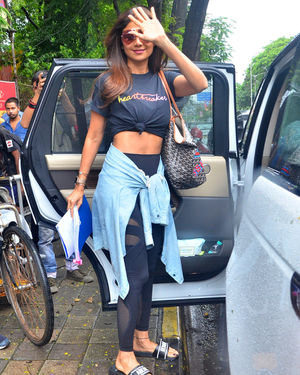 Shilpa Shetty - Photos: Celebs Spotted At Kromakay Salon In Juhu | Picture 1672562