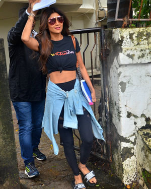 Shilpa Shetty - Photos: Celebs Spotted At Kromakay Salon In Juhu