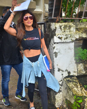 Shilpa Shetty - Photos: Celebs Spotted At Kromakay Salon In Juhu | Picture 1672566