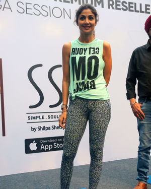 Photos:  Shilpa Shetty Conducts A Yoga Event At Phoenix Lower Parel   Picture 1672658