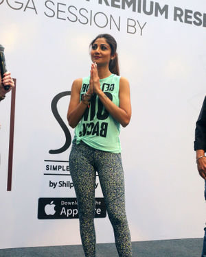Photos:  Shilpa Shetty Conducts A Yoga Event At Phoenix Lower Parel   Picture 1672656
