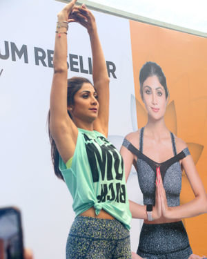 Photos:  Shilpa Shetty Conducts A Yoga Event At Phoenix Lower Parel   Picture 1672649