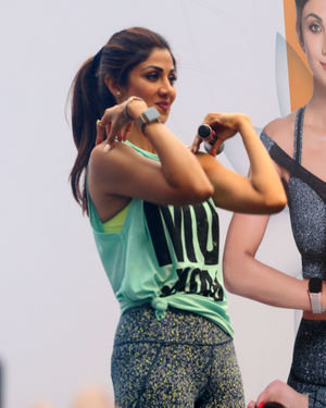 Photos:  Shilpa Shetty Conducts A Yoga Event At Phoenix Lower Parel   Picture 1672648
