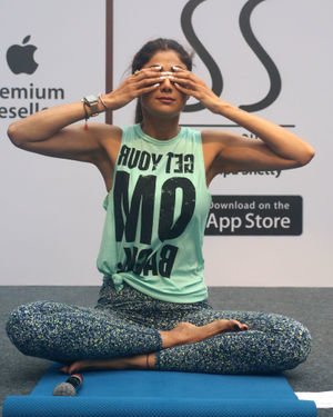 Photos:  Shilpa Shetty Conducts A Yoga Event At Phoenix Lower Parel   Picture 1672654