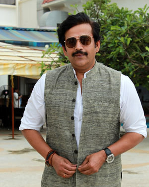 Ravi Kishan - Photos: Promotion Of Film Mission Mangal At Sun N Sand
