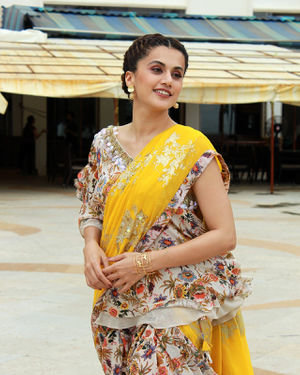 Photos: Taapsee Pannu Promotes Mission Mangal At Sun N Sand | Picture 1673414