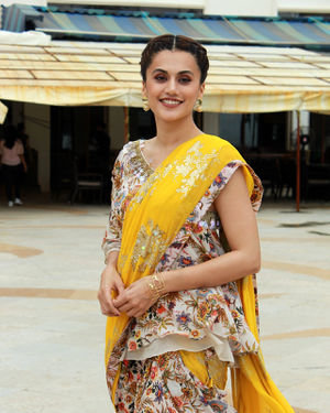 Photos: Taapsee Pannu Promotes Mission Mangal At Sun N Sand