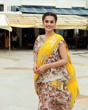 Photos: Taapsee Pannu Promotes Mission Mangal At Sun N Sand | Picture 1673410