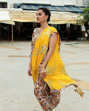 Photos: Taapsee Pannu Promotes Mission Mangal At Sun N Sand | Picture 1673417