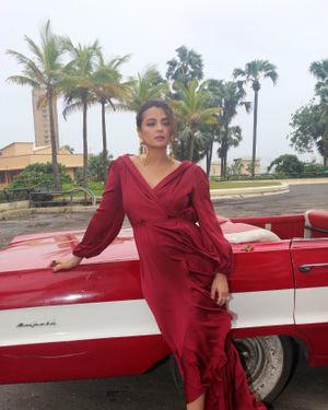 Surveen Chawla - Photos: Promotion Of Netflix Sacred Games At Taj Lands End