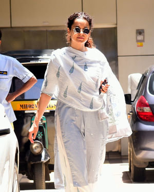 Kangana Ranaut - Photos: Celebs Spotted at Bandra