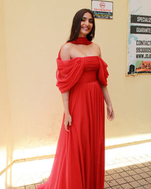 Photos: Sonam Kapoor At The Trailer Launch Of Zoya's Factor | Picture 1679101