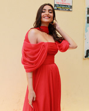 Photos: Sonam Kapoor At The Trailer Launch Of Zoya's Factor | Picture 1679102
