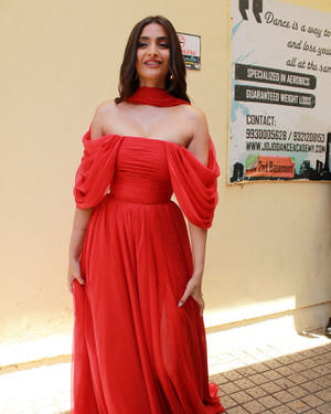 Photos: Sonam Kapoor At The Trailer Launch Of Zoya's Factor | Picture 1679097