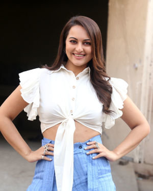 Sonakshi Sinha - Photos: Promotion Of Film Dabangg 3 At Mehboob Studio | Picture 1704369