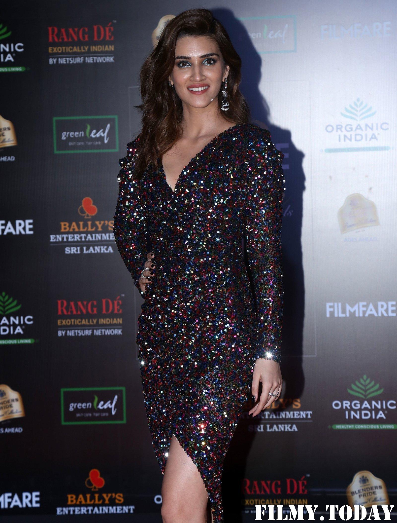 Kriti Sanon - Photos: Celebs At Filmfare Glamour & Style Awards 2019 At Taj Lands End | Picture 1704688