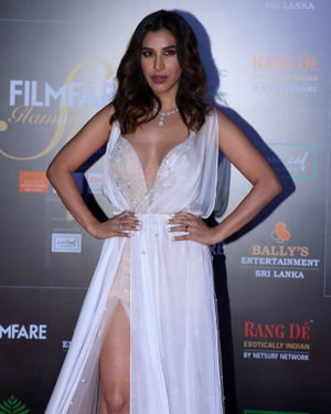 Sophie Choudry - Photos: Celebs At Filmfare Glamour & Style Awards 2019 At Taj Lands End