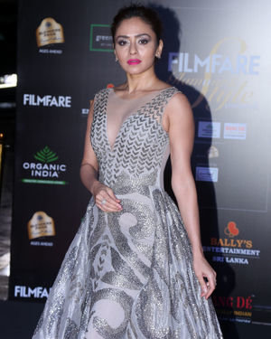 Amruta Khanvilkar - Photos: Celebs At Filmfare Glamour & Style Awards 2019 At Taj Lands End