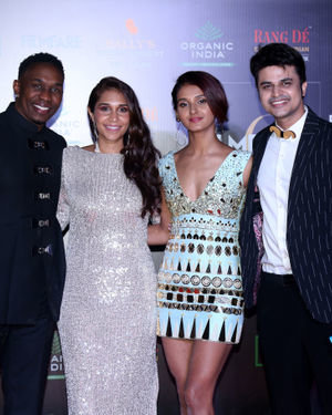 Photos: Celebs At Filmfare Glamour & Style Awards 2019 At Taj Lands End