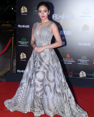 Amruta Khanvilkar - Photos: Celebs At Filmfare Glamour & Style Awards 2019 At Taj Lands End | Picture 1704575