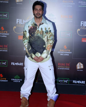 Varun Dhawan - Photos: Celebs At Filmfare Glamour & Style Awards 2019 At Taj Lands End