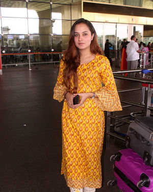 Aakanksha Sharma - Photos: Celebs Spotted At Airport   Picture 1704421