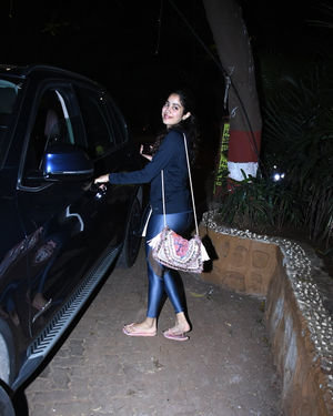 Janhvi Kapoor - Photos: Celebs Spotted at Bandra
