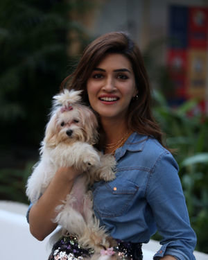 Photos: Kriti Sanon At The Mars Petcare Event At Tote Mahalaxmi