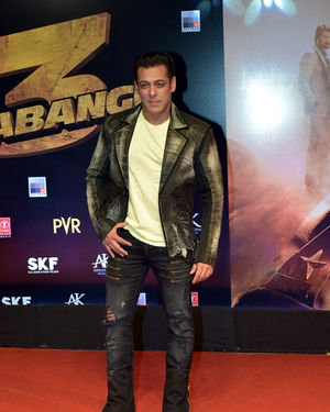 Salman Khan - Photos: Screening Of Dabangg 3 At Pvr Juhu