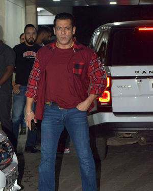Salman Khan - Photos: Sohail Khan's Birthday Party At His Home In Bandra