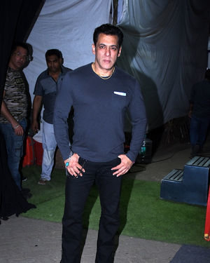 Salman Khan - Photos: Success Interview Of Film Dabangg3 At Mehboob Studio
