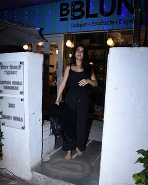 Fatima Sana Shaikh - Photos: Celebs Spotted Bblunt Salon At Bandra | Picture 1711926