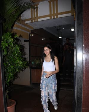 Ananya Panday - Photos: Celebs Spotted at Bandra | Picture 1659281