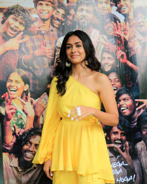 Mrunal Thakur - Photos: Promotions Of Film Super 30 At Sun N Sand In Juhu | Picture 1659786