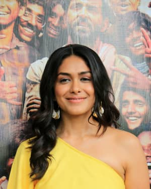 Mrunal Thakur - Photos: Promotions Of Film Super 30 At Sun N Sand In Juhu | Picture 1659795