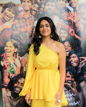 Mrunal Thakur - Photos: Promotions Of Film Super 30 At Sun N Sand In Juhu | Picture 1659787