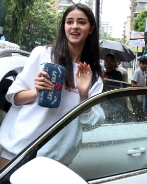 Ananya Panday - Photos: Celebs Spotted at Bandra | Picture 1660713