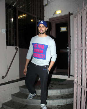 Photos: Sidharth Malhotra Spotted At A Dubbing Studio In Bandra