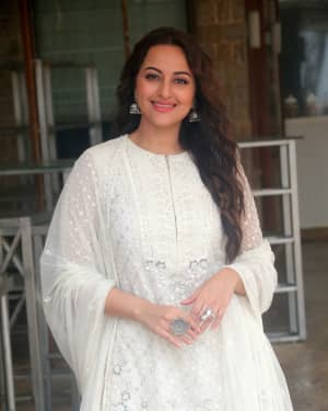 Photos: Sonakshi Sinha At The Media Interactions For Her Film Khandaani Shafakhana