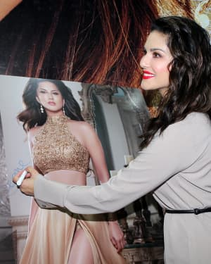 Photos: Sunny Leone Unveils Her Fashion Brand At India Licensing Expo | Picture 1661595